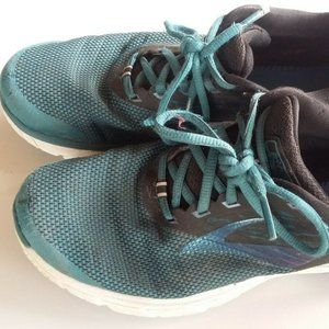 Brooks tennis shoes Size 9.5 black and blue women